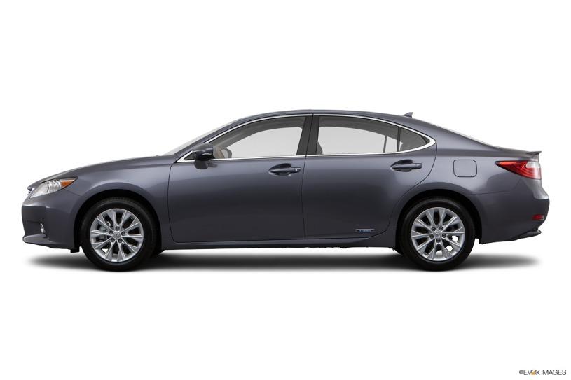 mua xe Lexus ES300h 2014 cũ có giá tốt hơn