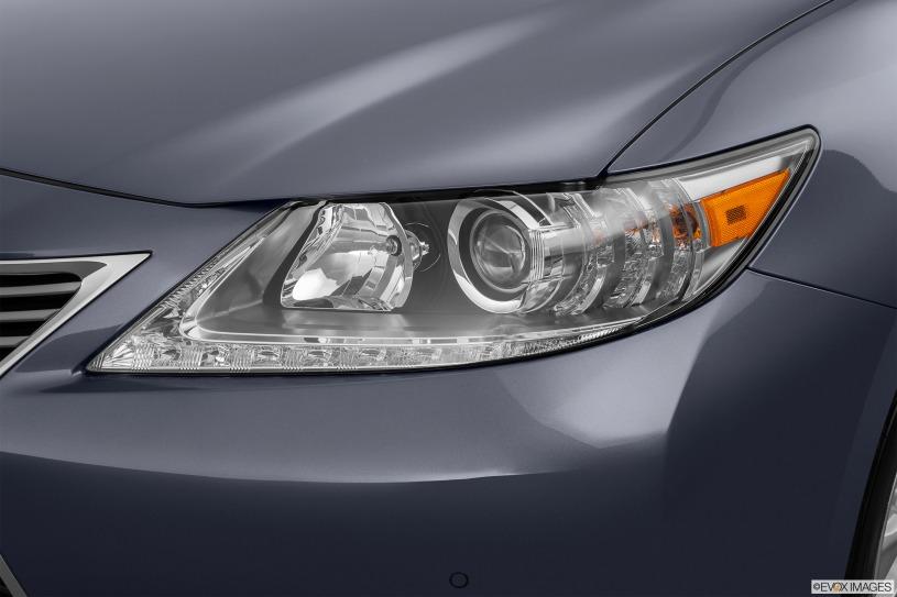 Giá xe Lexus ES300h đời 2014 mua bán cũ giá từ 1,8 tỷ đến 2,2 tỷ đồng