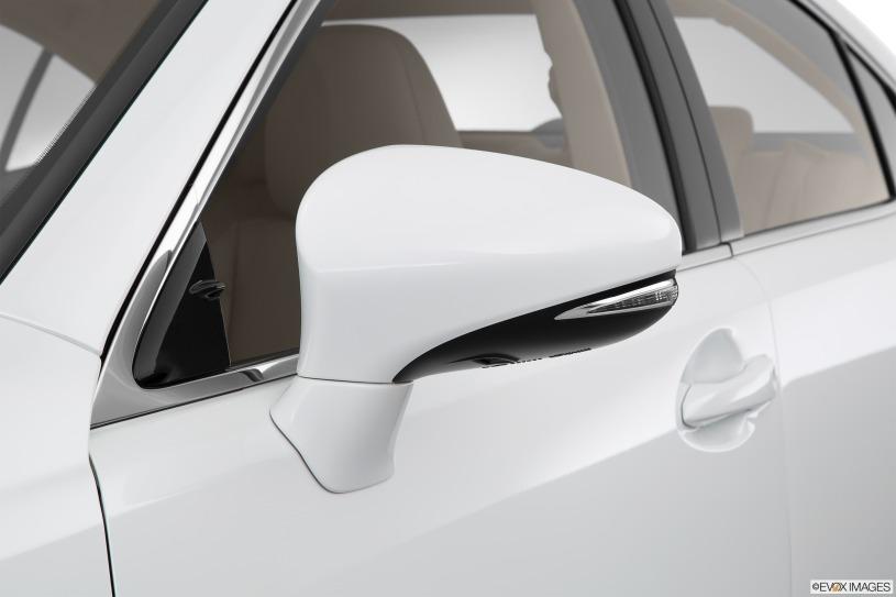 Giá xe Lexus ES300h đời 2015 mua bán cũ từ 2,2 tỷ đồng