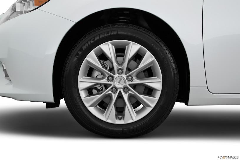 bánh xe Lexus ES300h 2015