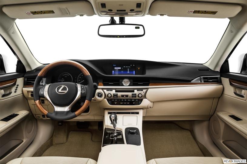 cabin khoang lái Lexus ES300h 2015