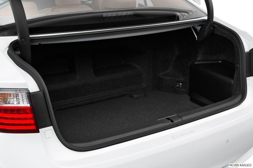 cốp xe Lexus ES300h 2015