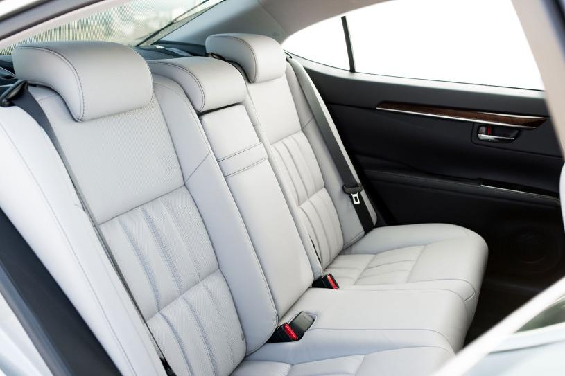 ghế da cao cấp hàng ghế sau Lexus ES 350 đời 2017