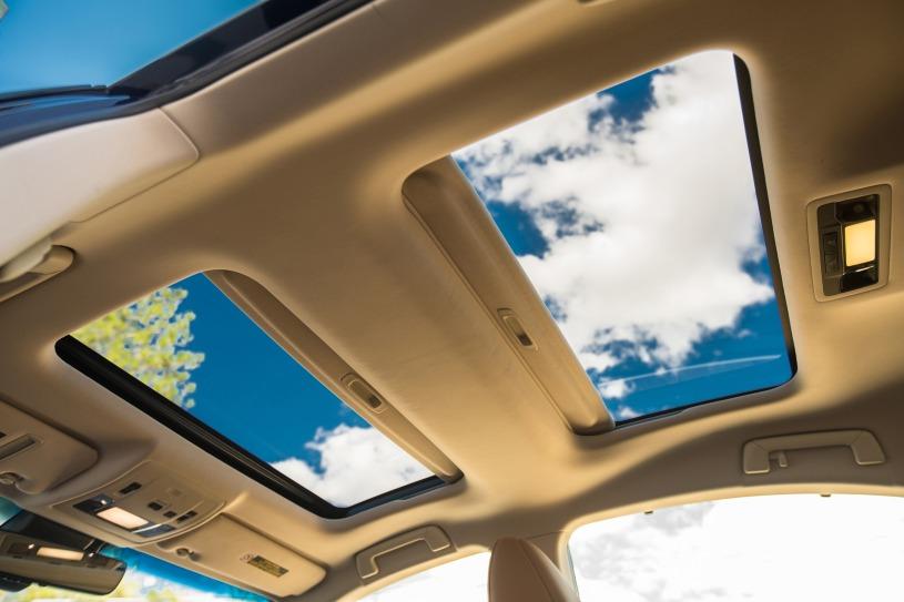 Chi tiết Lexus ES 350 đời 2017 có giá mua cũ 2,7 tỷ đồng sau hơn 2 năm