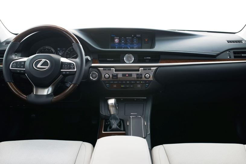 khoang cabin lái Lexus ES 350 đời 2017