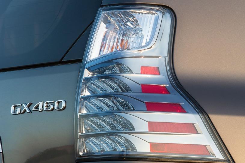 Chi tiết Lexus GX460 đời 2016 giá bán cũ hơn 4 tỷ đồng