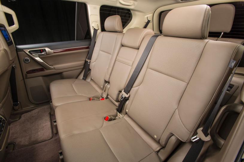 hàng ghế thứ 2 Lexus GX460 đời 2016