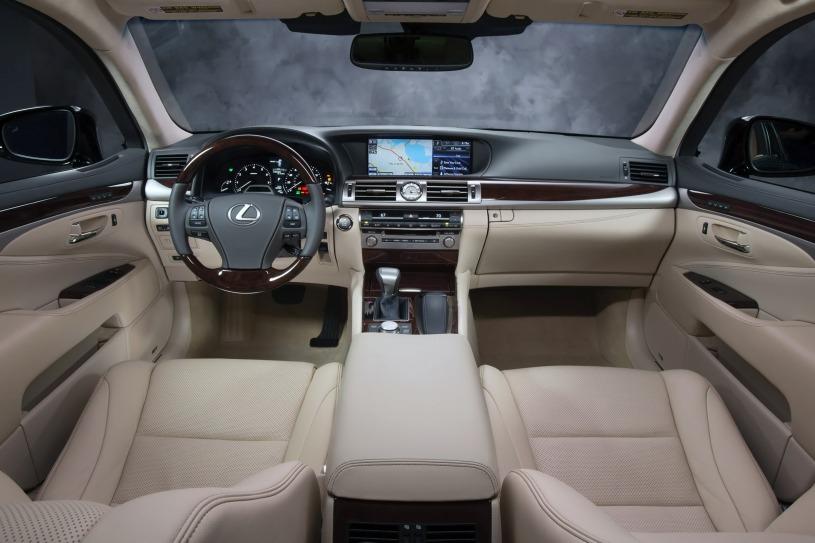nội thất cabin lái Lexus LS460L 2016