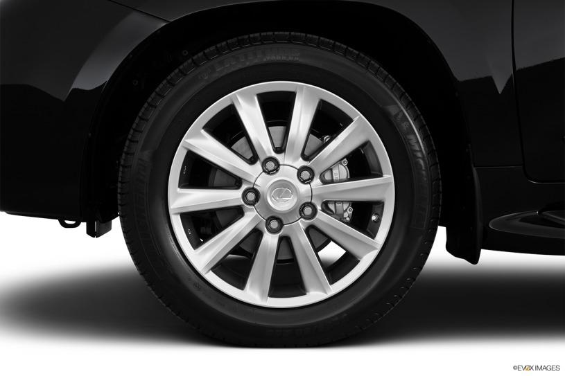 Đánh giá Lexus LX570 đời 2011: giá hơn 3,4 tỷ sau 8 năm lăn bánh
