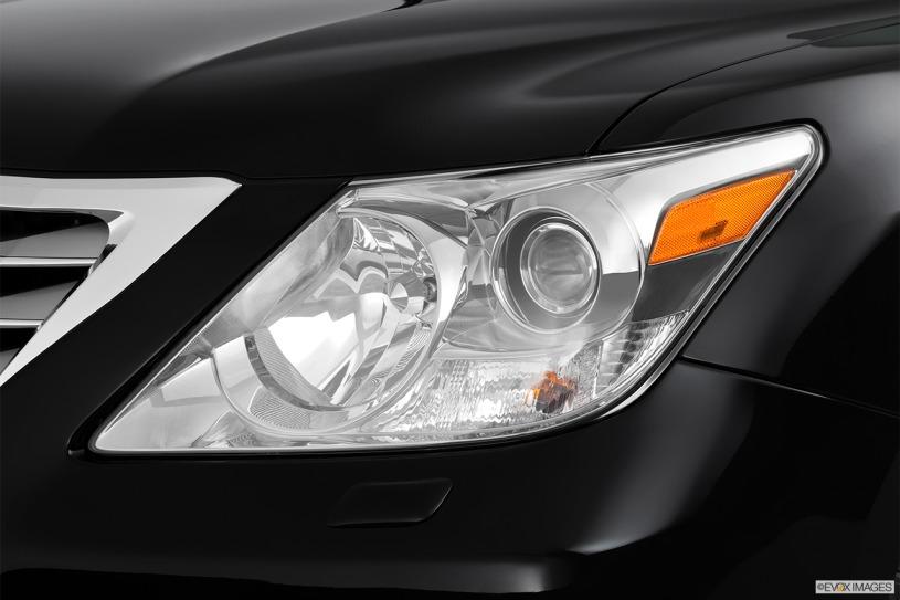 Đánh giá Lexus LX570 đời 2011: giá hơn 3,4 tỷ sau 9 năm lăn bánh