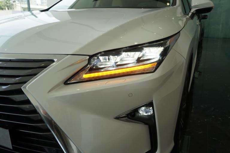 Thay đổi của Lexus RX300 2019 so với RX200t