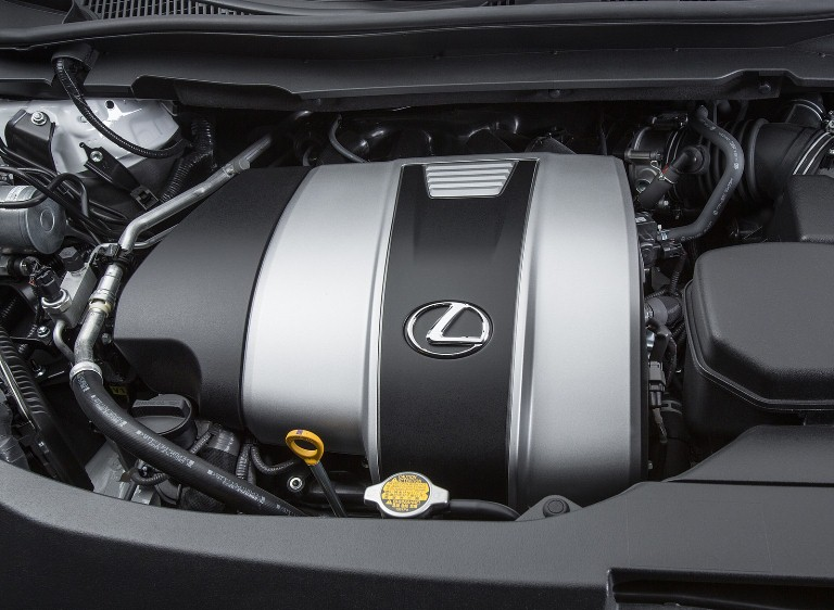 Động cơ mạnh mẽ của Lexus RX350 đời 2018