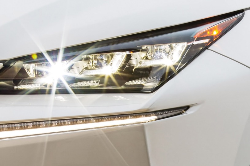 Chi tiết Lexus NX200t 2016 có giá bán cũ chưa đến 3 tỷ đồng sau 3 năm