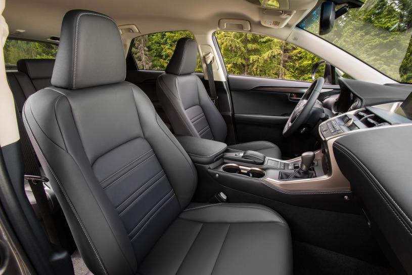 hàng ghế đầu Lexus NX200t 2016