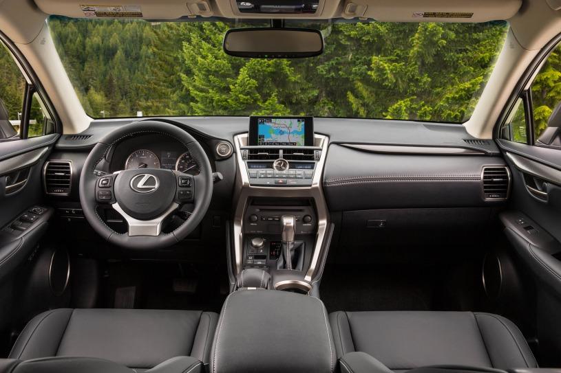 nội thất cabij khoang lái Lexus NX200t 2017
