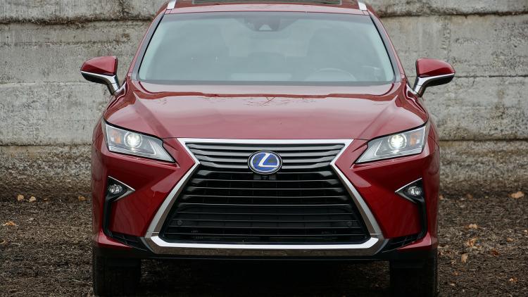 Đánh giá Lexus RX300: Chiếc xe say đắm lòng người