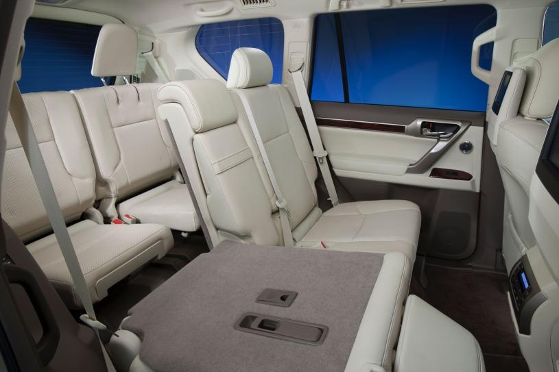 hàng ghế thứ 2 và 3 Lexus GX460 2011