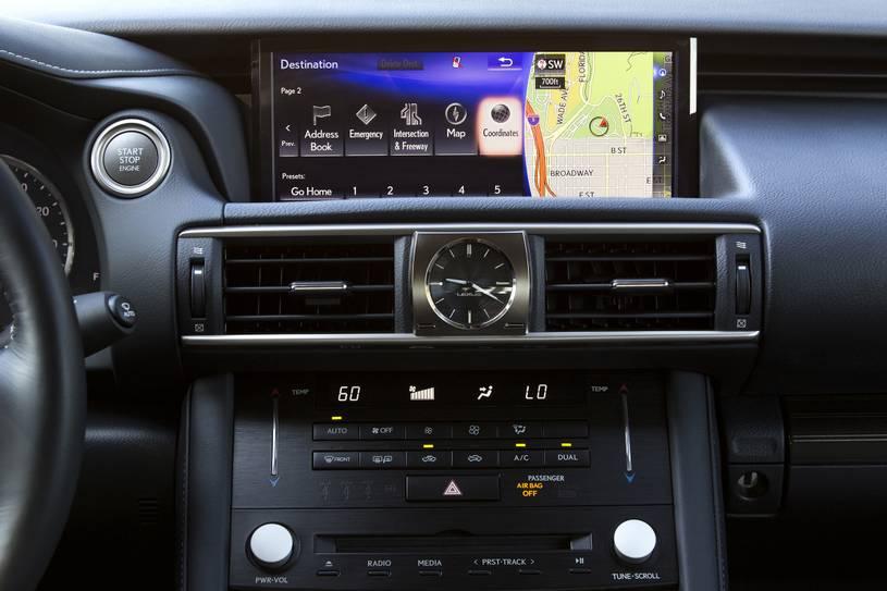 bảng điều khiển giải trí Lexus IS300 2019