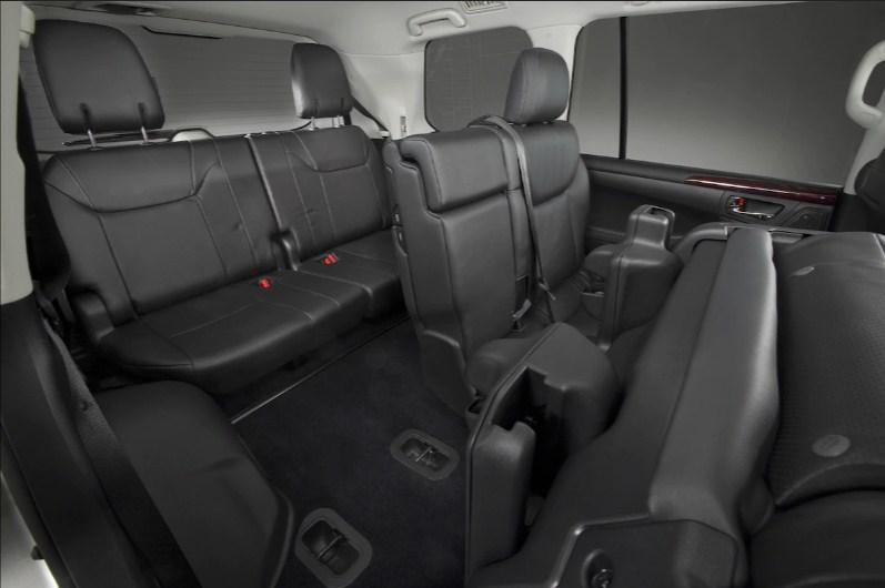 Lexus LX570 đời 2015: Sau 3 năm sử dụng vẫn có giá 5.3 tỷ đồng