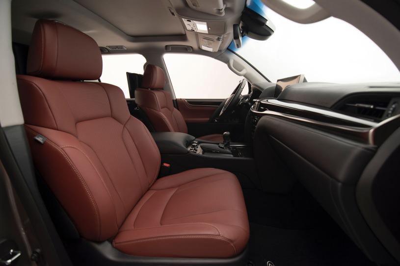 hàng ghế đầu Lexus LX570 2016