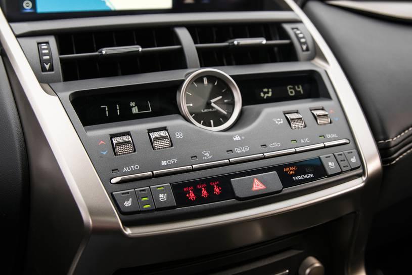 hệ thống điều hòa và giải trí NX300