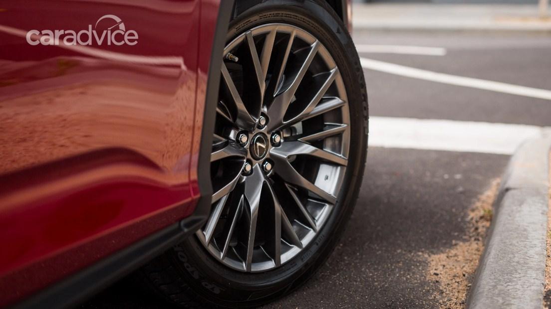 Đánh giá Lexus RX200t 2017 cũ sau 2 năm giá dao động 2,7 - 3 tỷ đồng