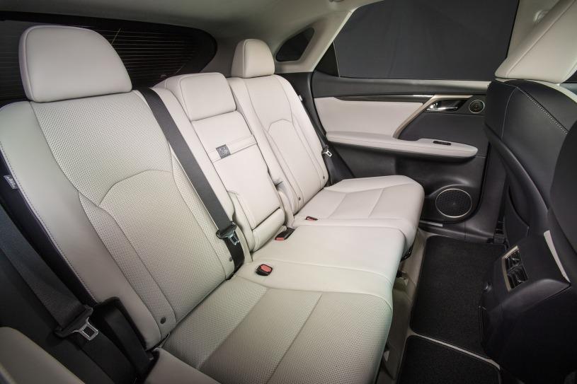 hàng ghế phía sau Lexus RX350 2016