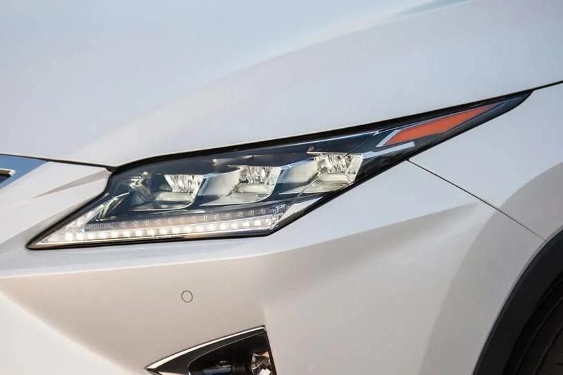 Đánh giá Lexus RX350 2017 cũ giá bán 3,8 tỷ đồng trên thị trường xe cũ