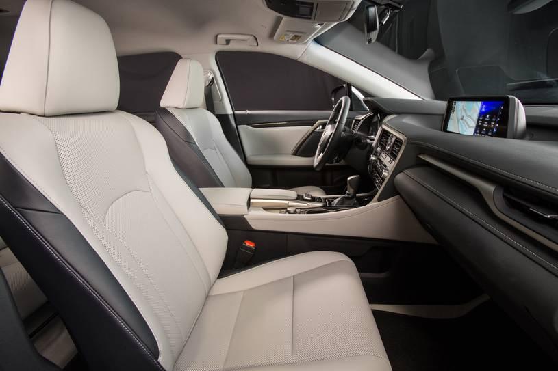 hàng ghế đầu Lexus RX350 2017