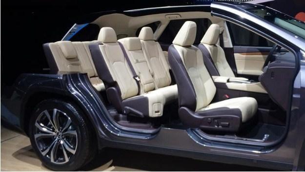 về nội thất Lexus RX 350L