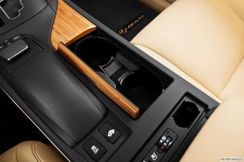 Giá xe Lexus RX450h đời 2014 sau 6 năm giữ giá 2,6 tỷ