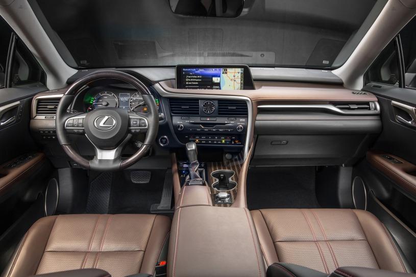 nội thất hàng ghế trước và cabin lái RX450h 2016