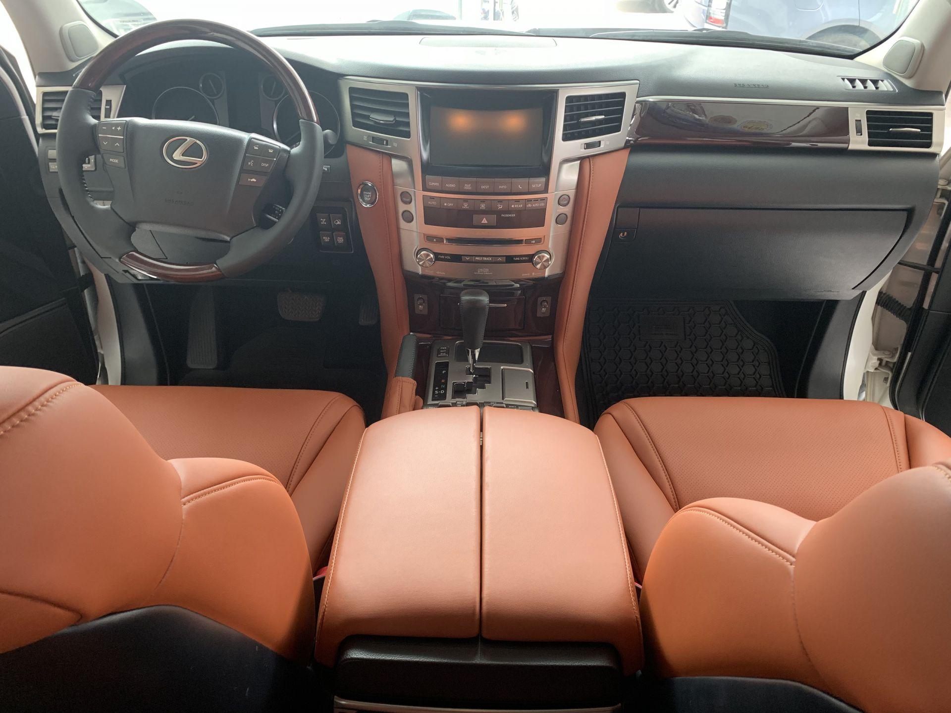 Lexus LX 570 2012 (SOLD)