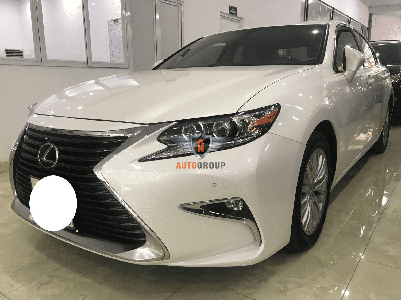 Xe Lexus ES250 sản xuất 2017
