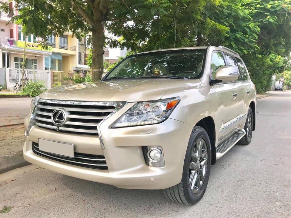 Lexus LX570 2012 vàng cát