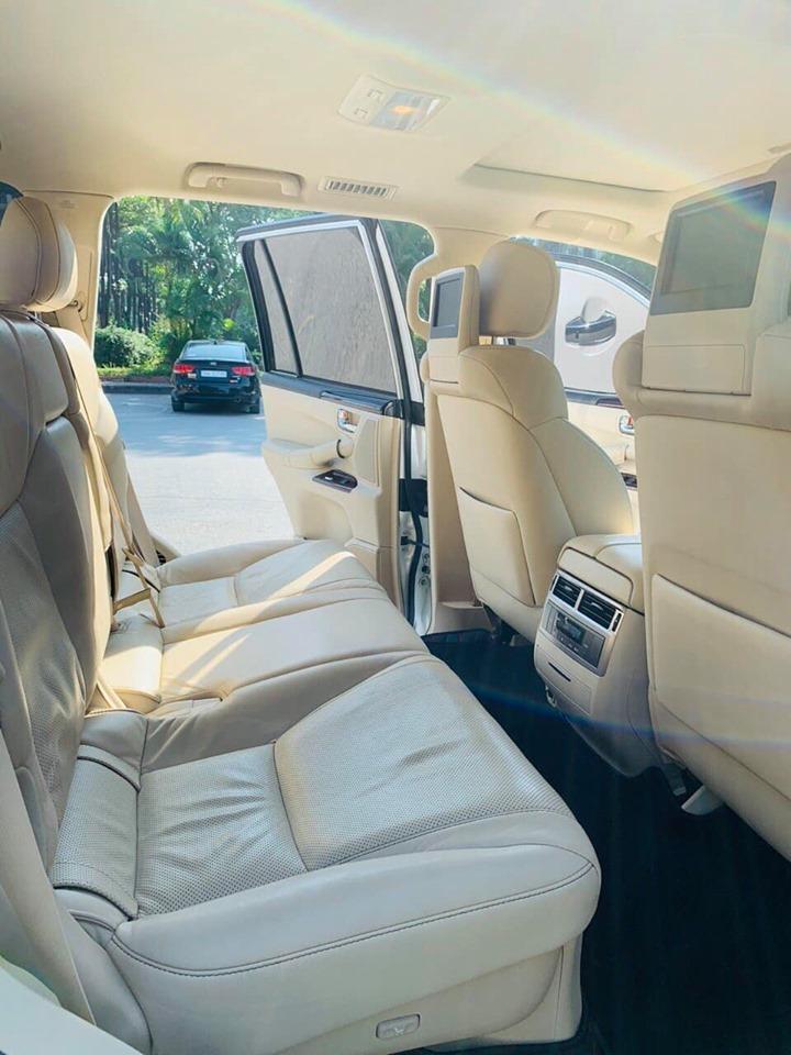 Lexus LX570 đời 2015 màu trắng
