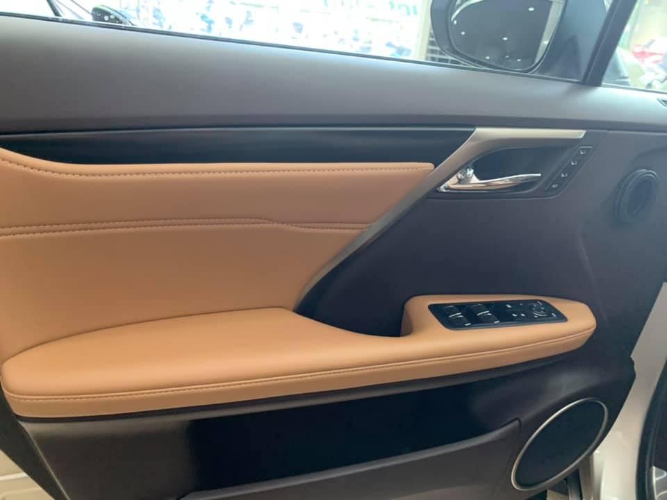 Bán Lexus RX350 đời 2017 màu vàng cát