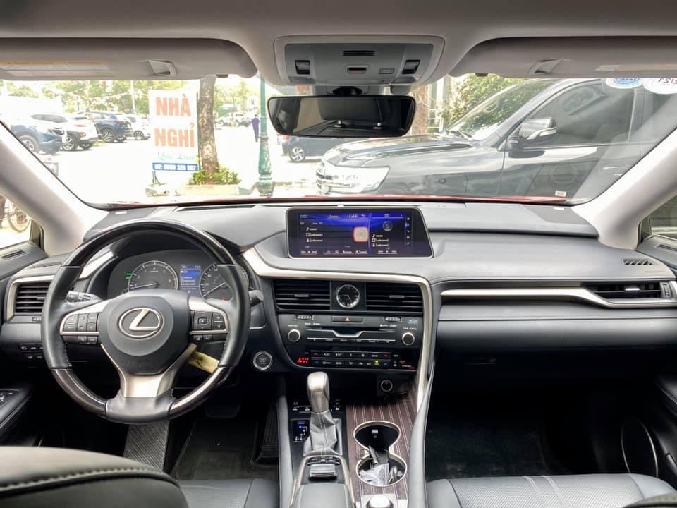 Bán Lexus RX350L đời 2019 màu đỏ 3 hàng ghế