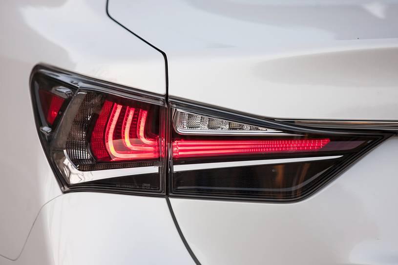 cụm đèn hậu GS350 2019
