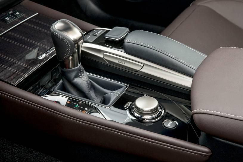 hệ thống điều khiển vận hành xe