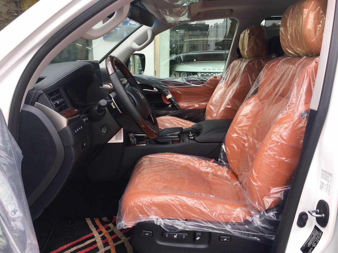 hàng ghế đầu Lexus LX570 Super Sport 2018