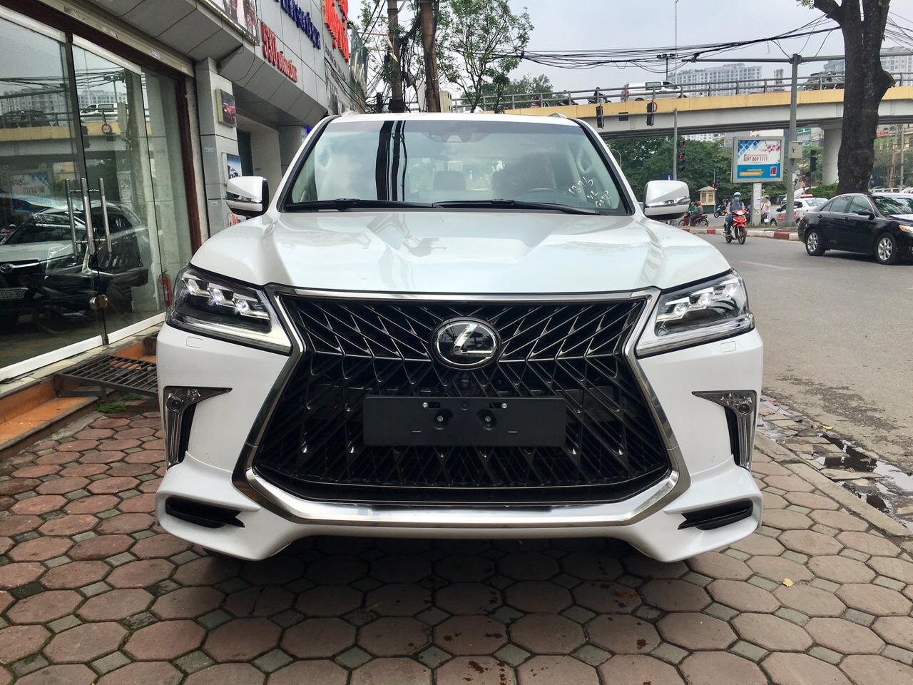 Thiết kế đầu xe Lexus LX570 Super Sport 2019