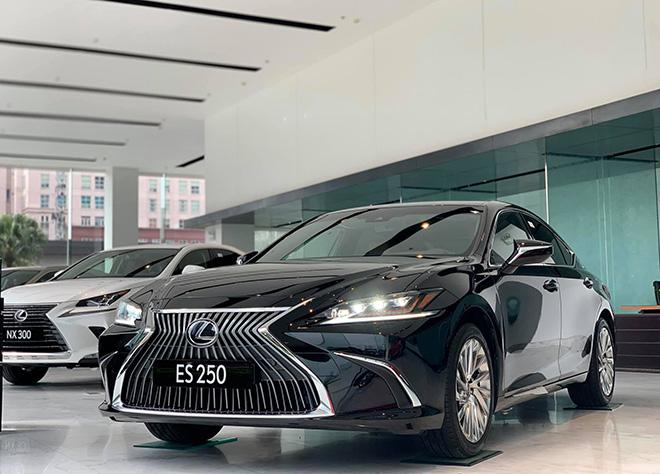Lexus ES250 2020 chính thức ra mắt tại Việt Nam, thêm trang bị nhiều công nghệ hơn