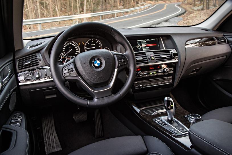 khoang cabin lái xe BMW X3