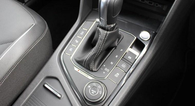 nút chức năng Driver Mode Select trên LX570