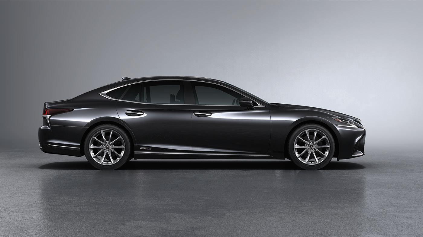 Lexus LS500h có chiều dài lên tới hơn 5 mét