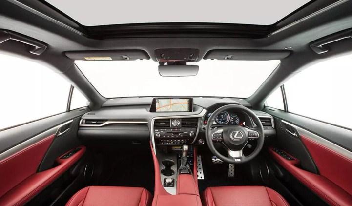 Khoang điều khiển với thiết kế tinh tế của Lexus RX350