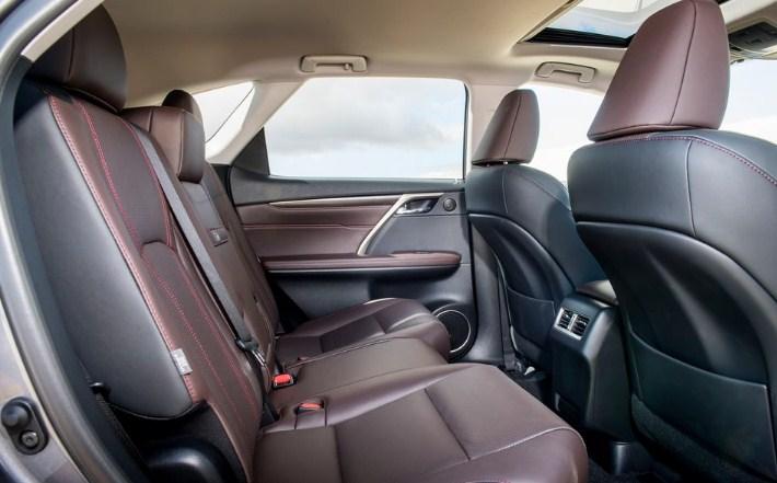 thiết kế nội thất của Lexus RX350L