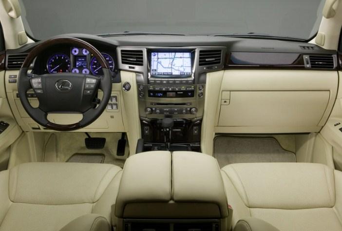 nội thất và trang bị ghế lái của Lexus RX570 2008