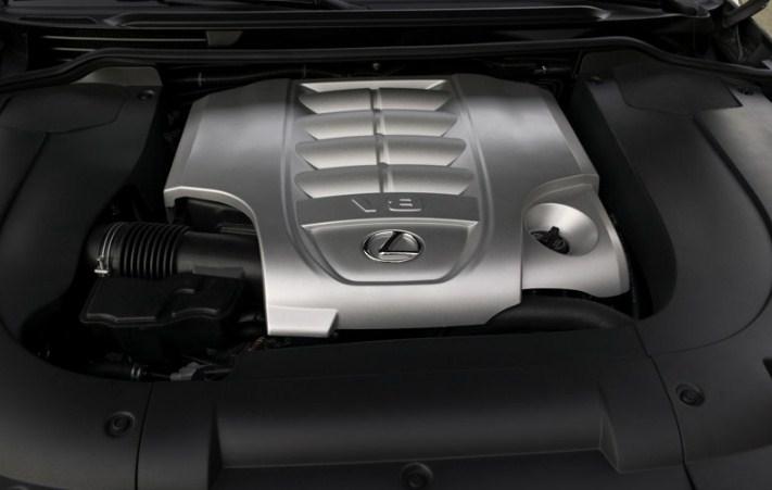 động cơ V8 mạnh mẽ của RX570 2008